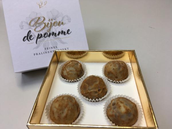 """Trüffelpraline """"Bijou de Pomme"""""""